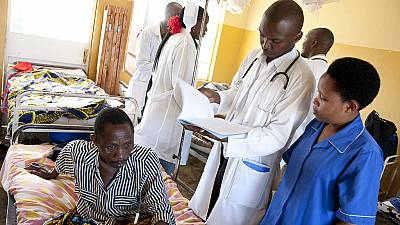 Rwanda: Government bans medics from using mobile phones at work