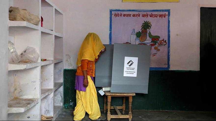 India: al via le elezioni legislative nell'Uttar Pradesh, un voto test per il governo
