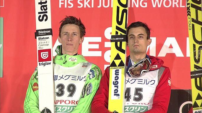 Skispringen: Kot und Prevc teilen sich Sieg in Sapporo