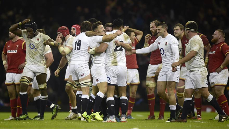 Six Nations: Late try keeps England on track