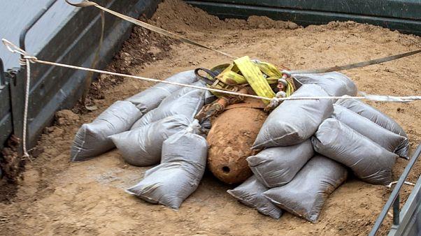 В Салониках из-за найденной бомбы эвакуировали 72 тысячи человек