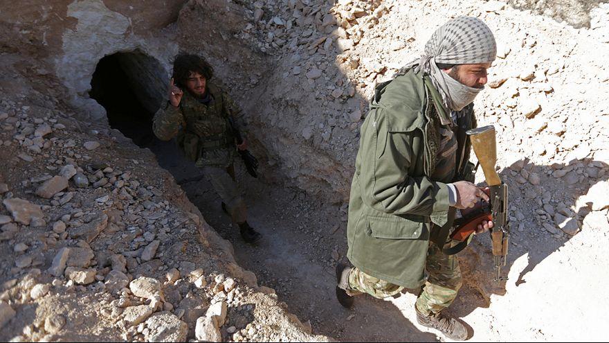 Los yihadistas del EI huyen de Al Bab