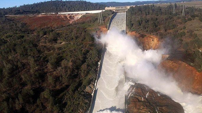Miles de evacuados en California por un fallo en la Presa Oroville