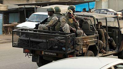 """Six journalistes ivoiriens arrêtés pour avoir """"incité à la révolte des soldats"""""""