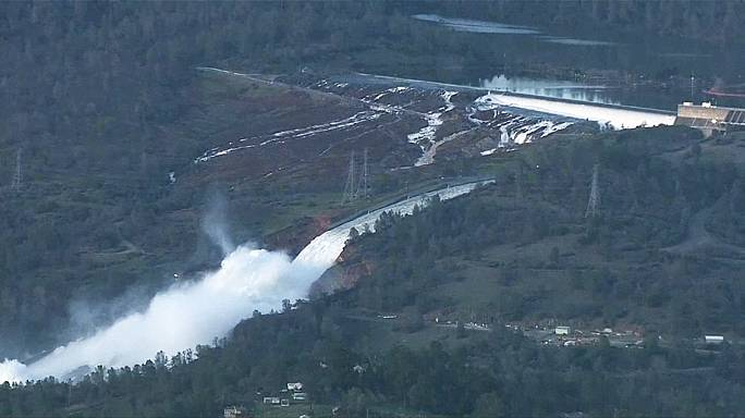 Thousands evacuated to safety as part of tallest dam in US on verge of collapse