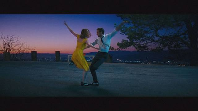 'La La Land' dances its way to success at BAFTA awards