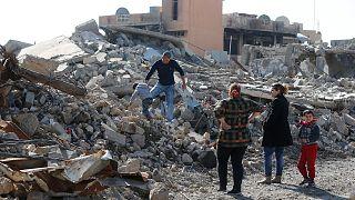 أهالي الحمدانية يعودون تدريجيا لبيوتهم بعد تحريرها من قبضة داعش