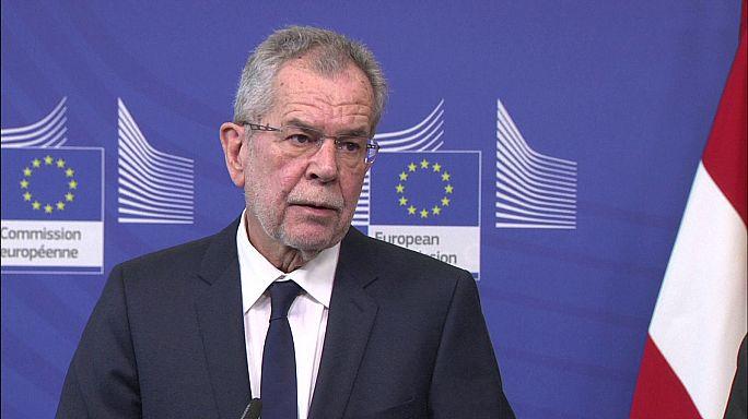 Il presidente austriaco a Bruxelles: puntare sui giovani per sconfiggere il populismo di destra