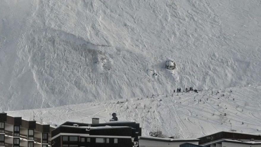 Nő a francia lavina áldozatainak száma