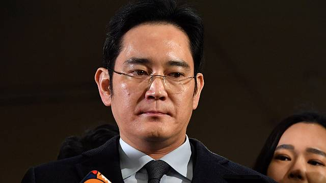 Samsung denies bribery as boss questioned again over influence-peddling
