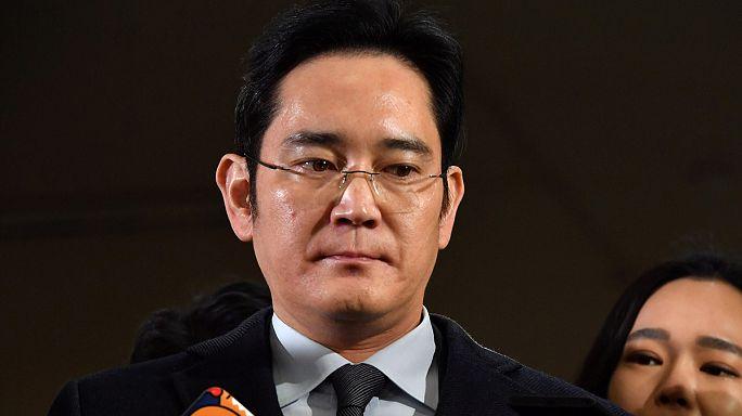 Kihallgatták a Samsung csoport vezetőjét