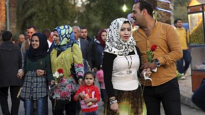 Iraqis paint Baghdad red on Valentine's Day despite tensions