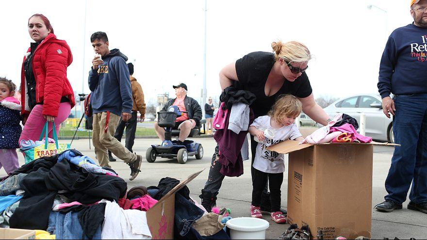 ۱۸۸ هزار تن در ایالت کالیفرنیا خانه هایشان را ترک کردند
