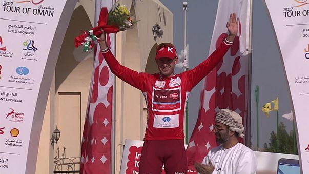 Giro dell'Oman: a Kristoff la prima tappa, caduta senza conseguenze per Boonen