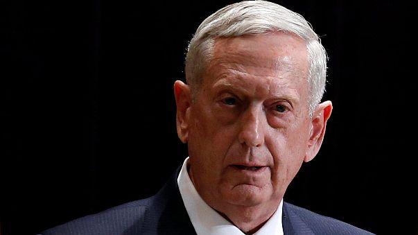 """Spese e rapporti con Mosca: Mattis porta la """"dottrina Trump"""" alla Nato"""