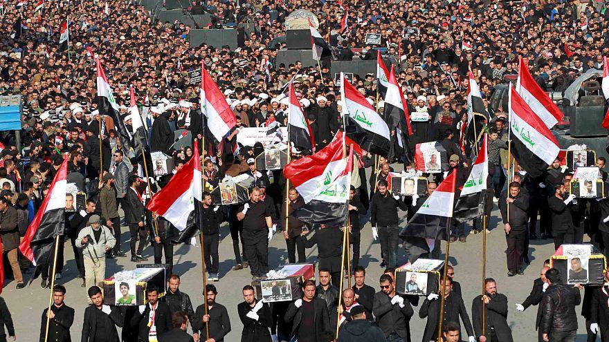 Demostración de fuerza en Bagdad de los seguidores del clérigo chií Muqtada al Sader