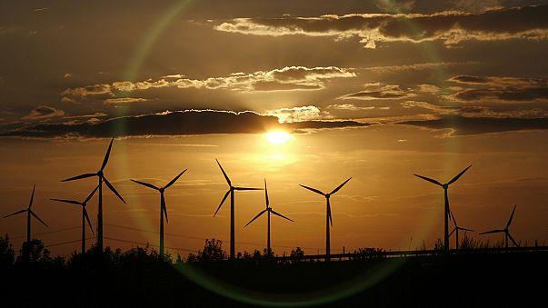 Ποιό κράτος μέλος της Ε.Ε. ηγείται στον τομέα της αιολικής ενέργειας;