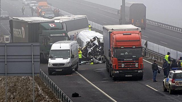 Four dead in Hungary in fog pile-up