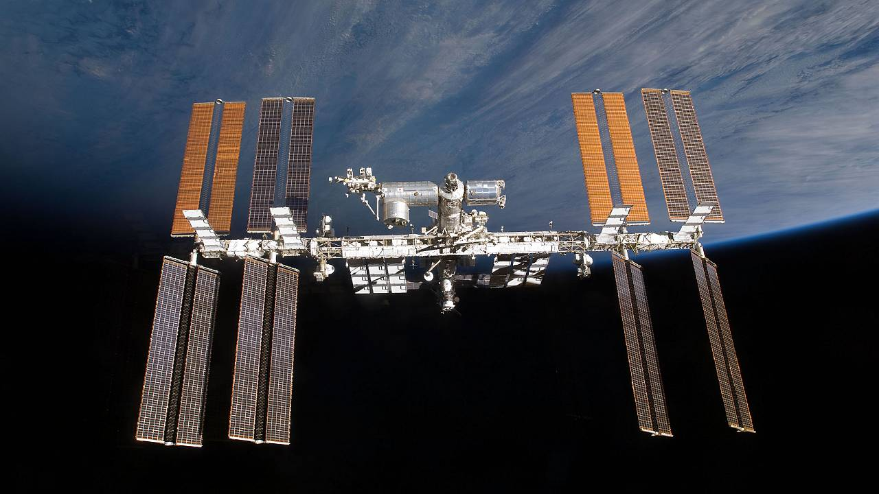 Image: Wing-like solar panels on the International Space Station