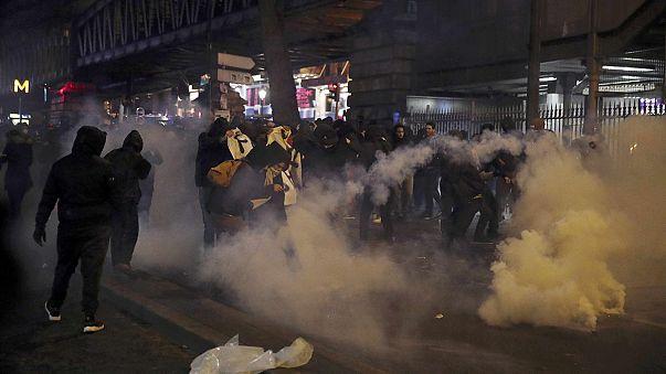 Paris'in kuzeyinde polis şiddeti protesto edildi