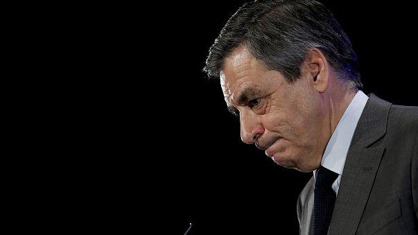 Fransa'da merkez sağın cumhurbaşkanı adayı Fillon'a savcılardan kötü haber