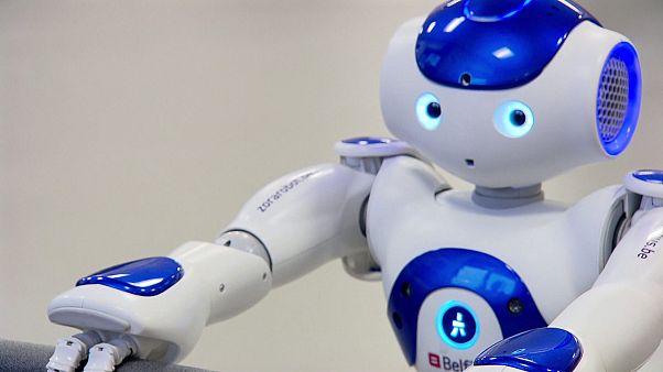 پارلمان اروپا خواستار روشن شدن وضعیت حقوقی و کاری روباتها شد