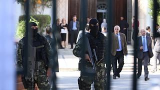 Tunisia prolongs state of emergency