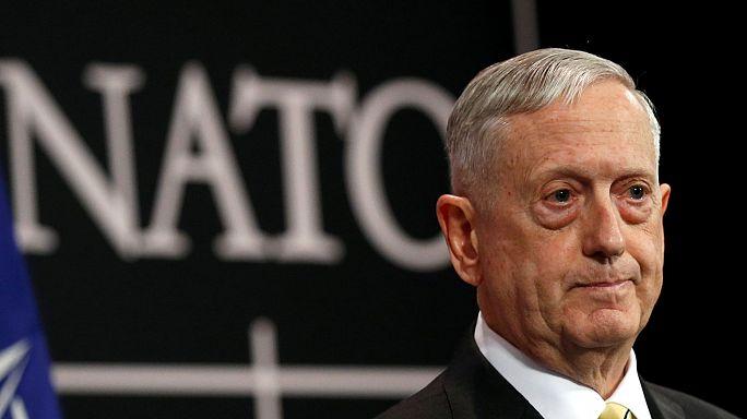 Глава Пентагона считает главными угрозами НАТО международный терроризм и Россию