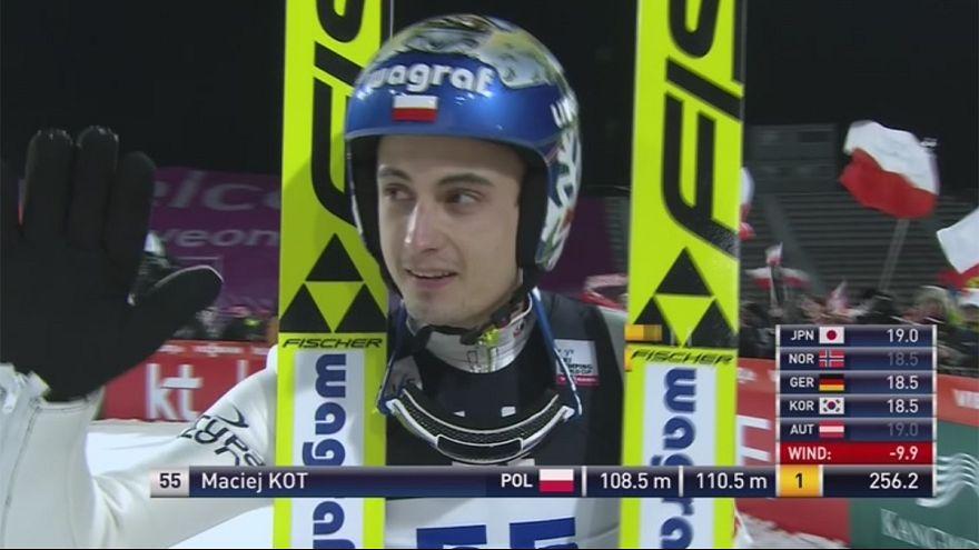 Saltos de Esqui: Maciej Kot vence segunda etapa numa semana