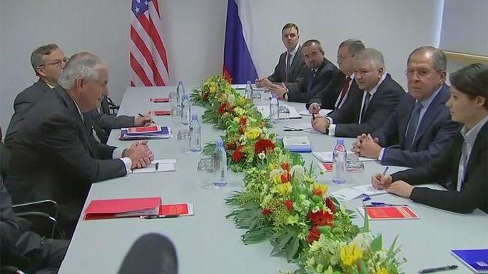 G20 di Bonn: primo incontro fra segretario di Stato Usa Tillerson e russo Lavrov