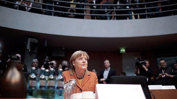 A kémügyben hallgatta meg Merkelt a Bundestag vizsgáló bizottsága