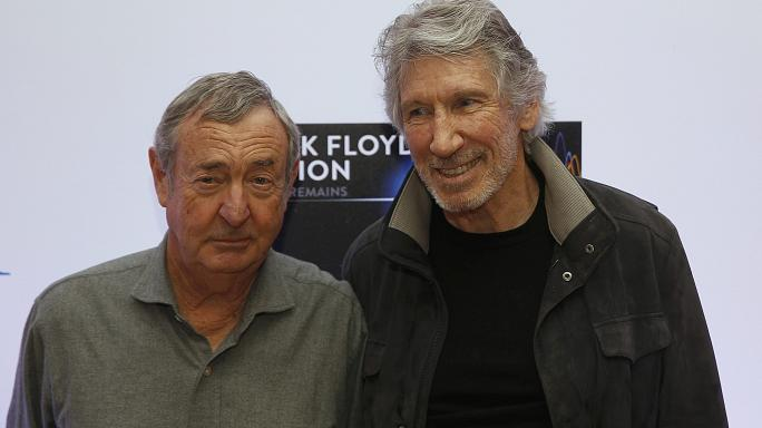 """Pink Floyd's Roger Waters considers performing """"The Wall"""" on US-Mexico border"""