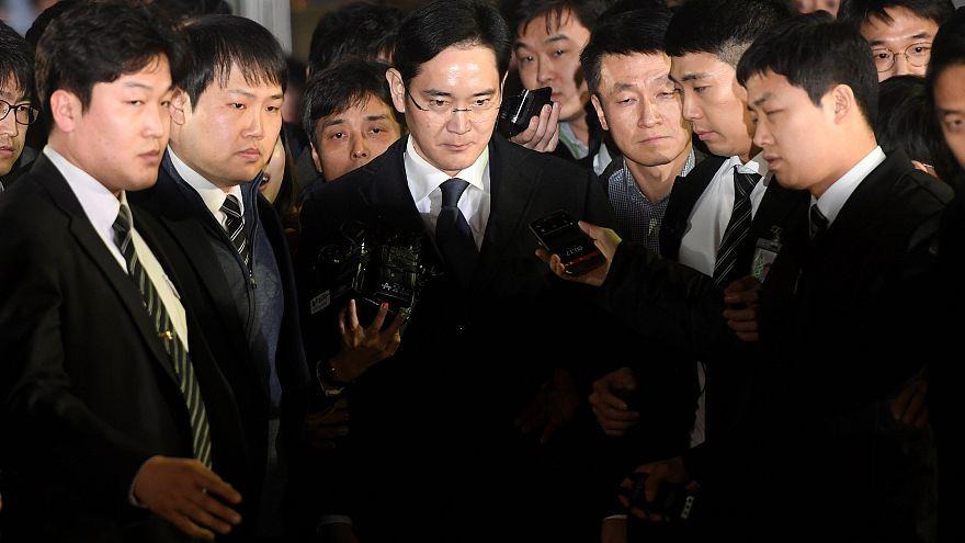 Rüşvet skandalıyla sarsılan Samsung'un tepe yöneticisi tutuklandı