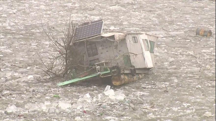 Hungria mantém alerta às inundações