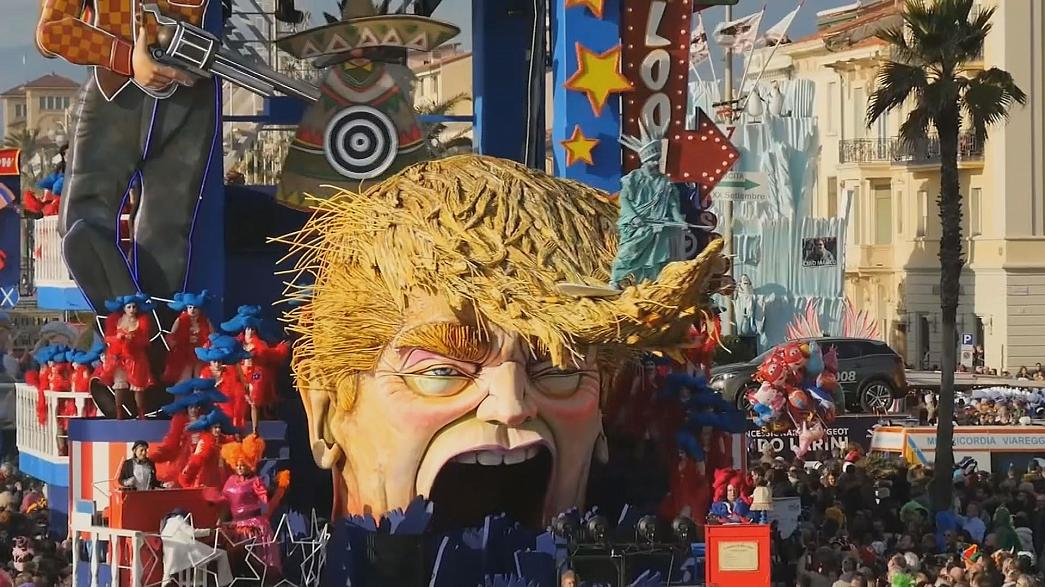 O Carnaval em Viareggio com Trump nos carros alegóricos