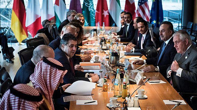 París y Berlín piden a Rusia que apoye el proceso de Ginebra sobre Siria