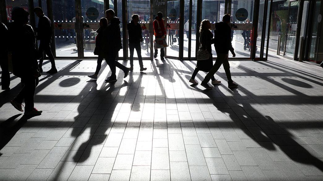 Великобритания: падение объема розничных продаж