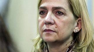Cristina de Borbón absuelta, seis años de cárcel para su marido