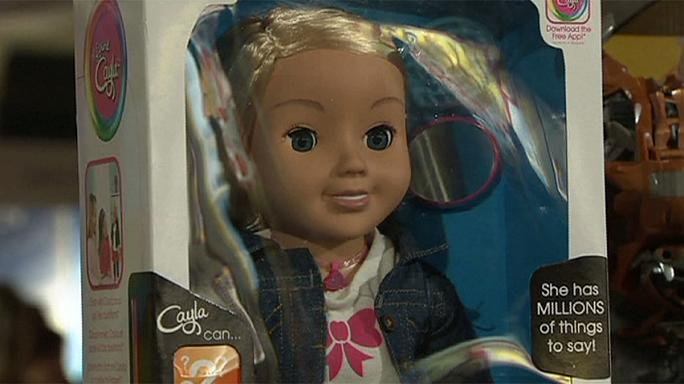 """У Німеччині заборонили """"шпигунську"""" ляльку Cayla"""