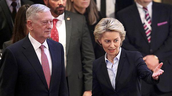 وزیر دفاع آلمان: جهان آمریکای مسئولیت پذیر می خواهد