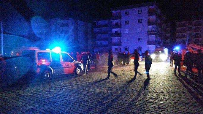 Türkei: Autobombe tötet Kind