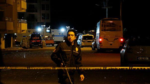 Autóba rejtett bomba robbant Délkelet-Törökországban