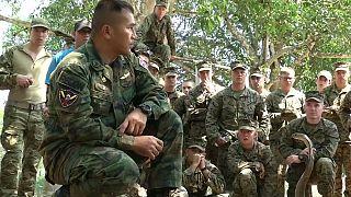 Marines sobreviviendo en la selva tailandesa