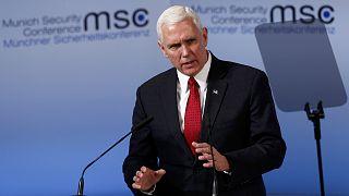 Pence reitera el compromiso de EE. UU. con la OTAN y Europa pero pide una mayor inversión en defensa