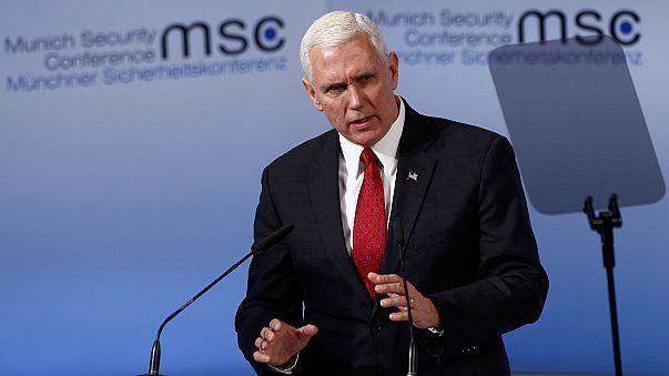 """""""O compromisso dos EUA com a NATO é """"inquebrável"""", garante Mike Pence"""