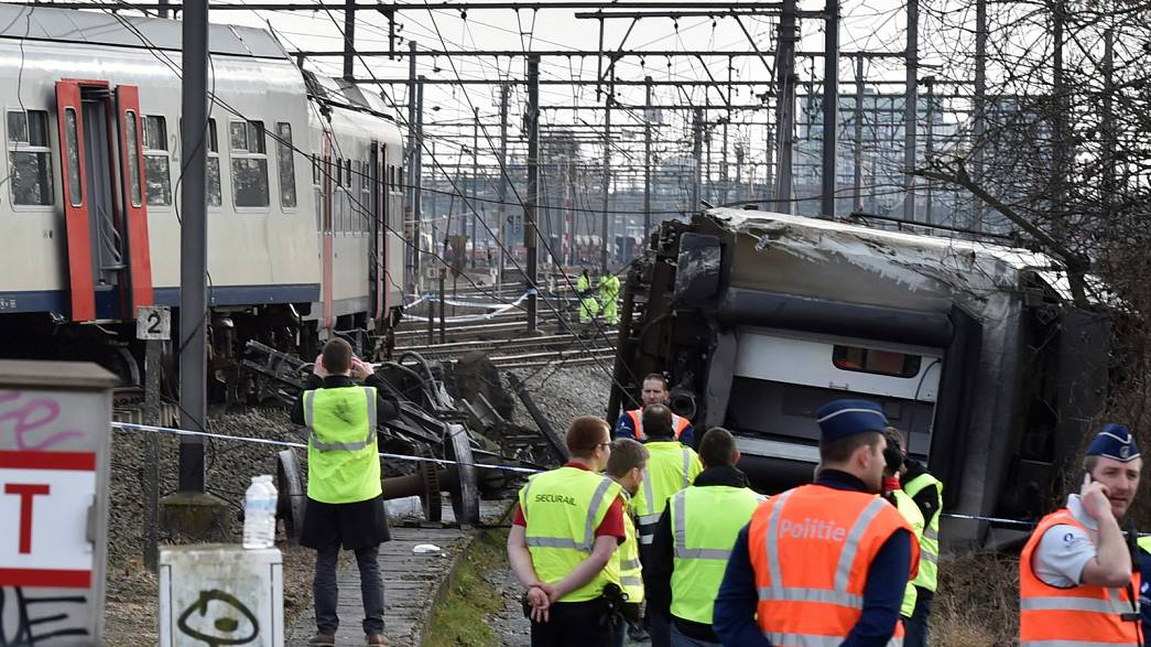 Train derailment in Belgium kills one person, injures dozens more
