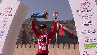 Ciclismo, Tour Oman: il leader Hermans vince in salita, Aru secondo