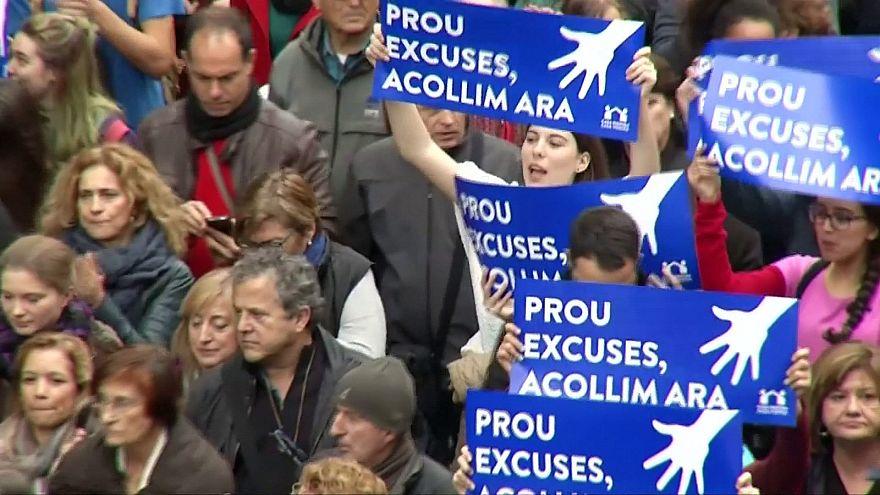 Barcelona acolhe uma das maiores manifestações de sempre a favor dos refugiados