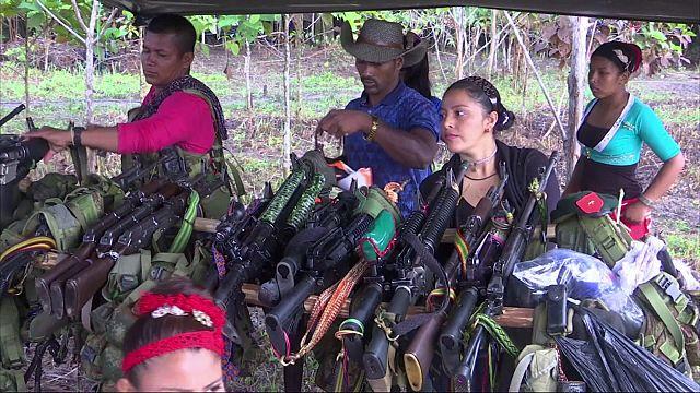 """وصول المجموعة الاخيرة من متمردي """"فارك"""" إلى معسكر أممي لتسليم أسلحتهم"""