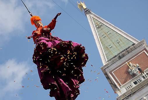 Venice Carnival wows thousands of revellers